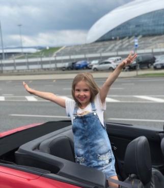 Шешукова Аня в г Адлере летом 2019 года
