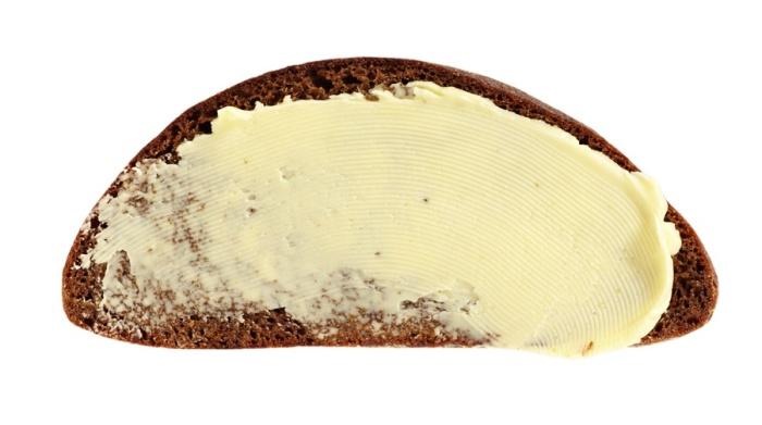 Зачем маслом мажут хлеб?