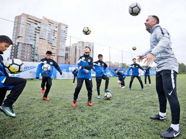 В Газпром-Академии стартовал тренировочный сбор команды из Китая