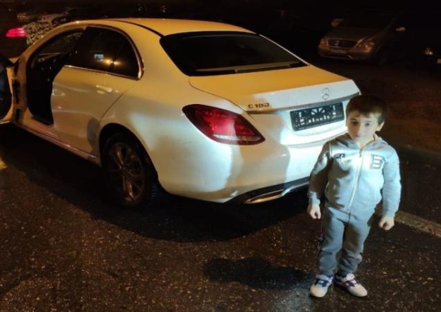 """5-летнему мальчику, отжавшемуся 4 000 раз, подарили """"Мерседес"""""""