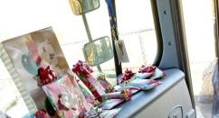 Быть волшебником просто. Водитель школьного автобуса исполнил новогодние мечты своих юных пассажиров