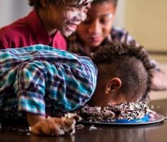 Вакансия мечты: Английская кондитерская компания ищет сладкоежку