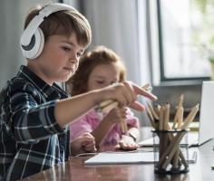 Учёные выяснили, вредно ли делать домашнее задание под музыку