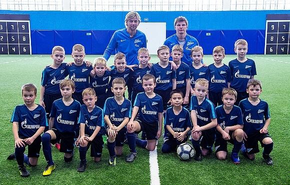 Анатолий Тимощук и Андрей Аршавин провели тренировку с самой младшей командой Академии