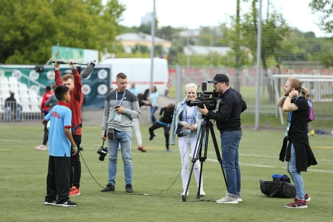 Самый юный комментатор в мире станет ведущим матчей «Футбола для дружбы»