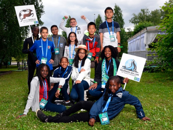 Юные послы «Футбола для дружбы» примут участие в подготовке премьеры сказки о редких животных
