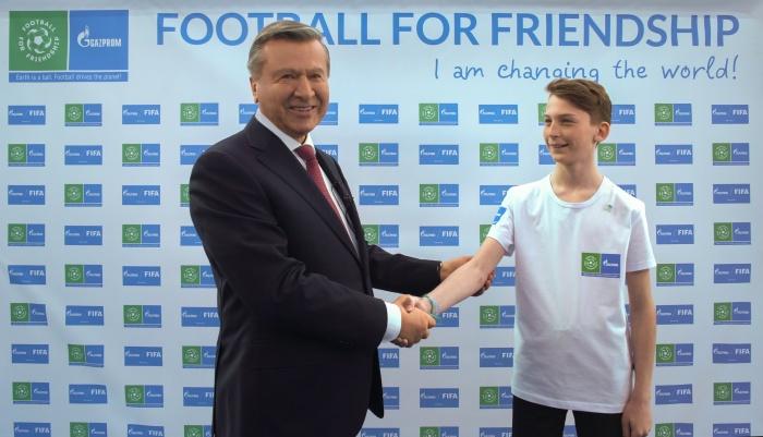 «Футбол для дружбы»: юный посол приступил к работе