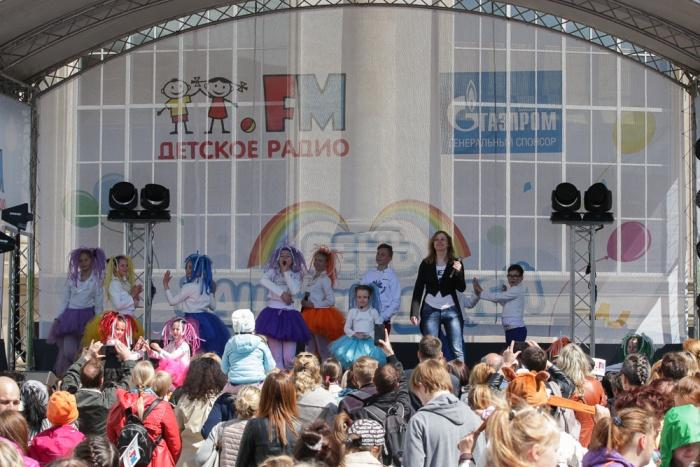 На сцене выступили коллективы, чьи песни чаще всех звучат в эфире Детского радио