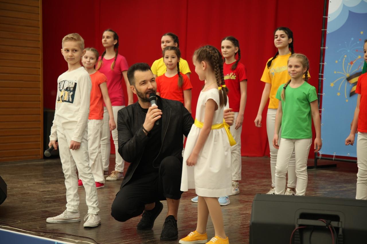 Праздничный концерт Детского радио ко Дню Великой Победы собрал сотни зрителей