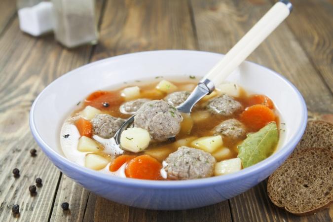Суп с тефтелями из индейки