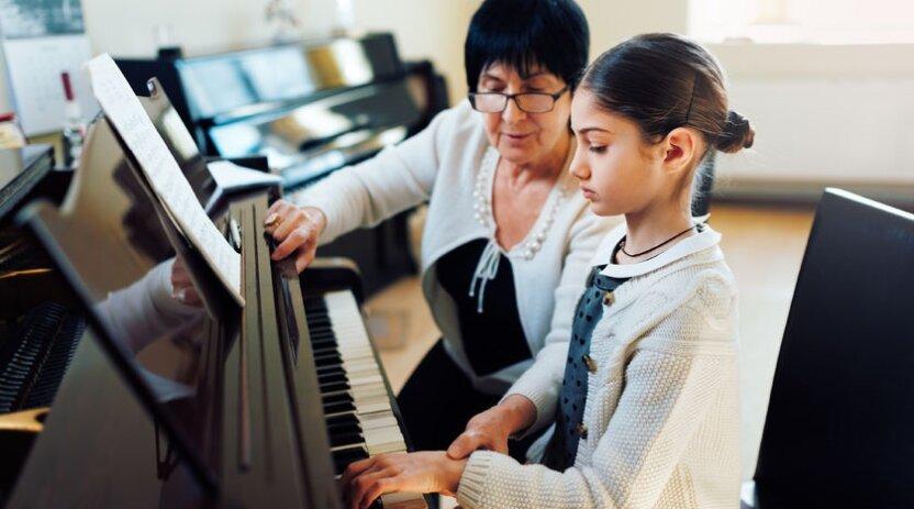 Игра на фортепиано улучшает речь