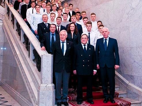 Руководители и воспитанники Академии встретились с полномочным представителем президента