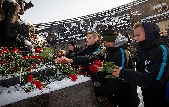 Воспитанники «Газпром»-Академии почтили память жертв блокады Ленинграда