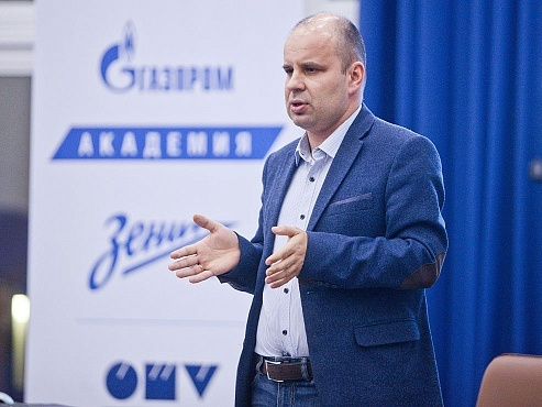 В «Газпром»-Академии прошла лекция гроссмейстеров Алексея Лугового и Максима Матлакова