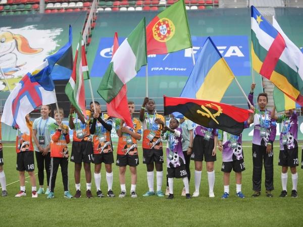 """Более 800 специалистов работали над крупнейшим в мире международным детским социальным проектом """"Футбол для дружбы"""" 2018"""