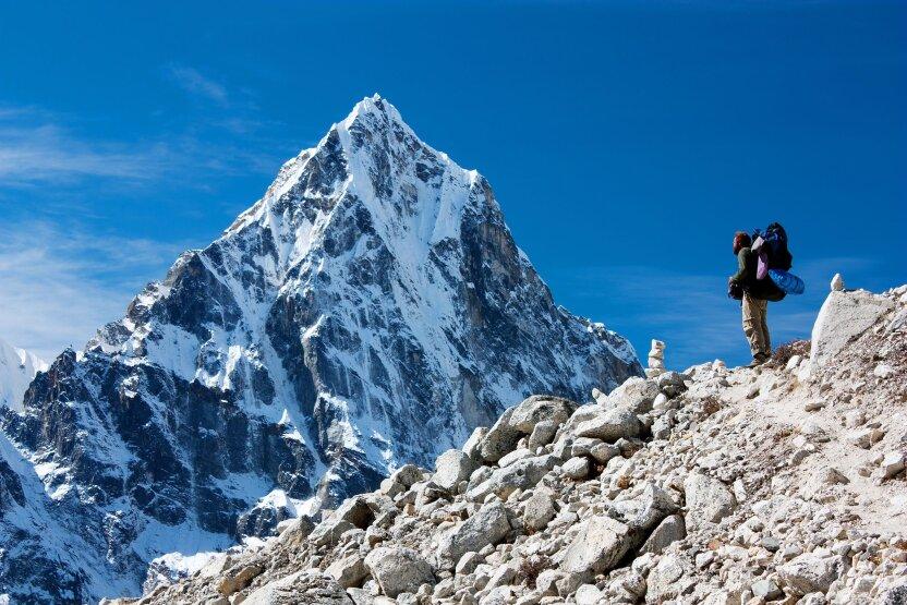 Непалец установил мировой рекорд, покорив Эверест в 23-й раз