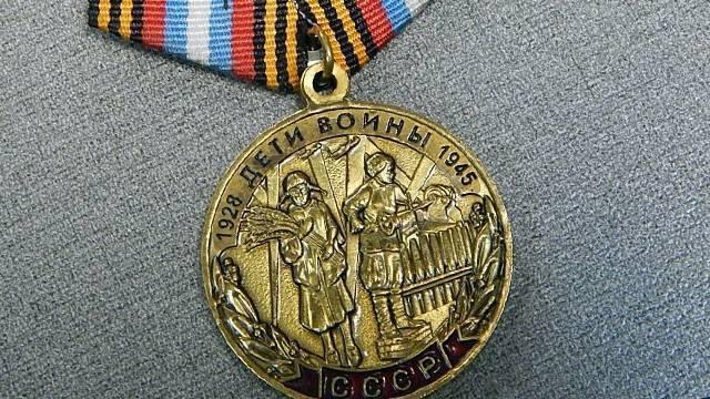 В Сызрани первоклассница разыскивает человека, потерявшего медаль 9 Мая