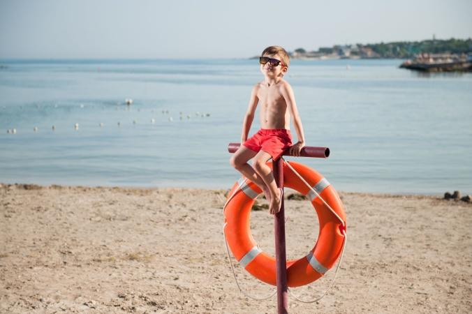 Безопасность детей при купании: правила, советы и оказание первой помощи