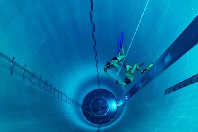 Самый глубокий в мире бассейн: Где он находится и зачем нужен?