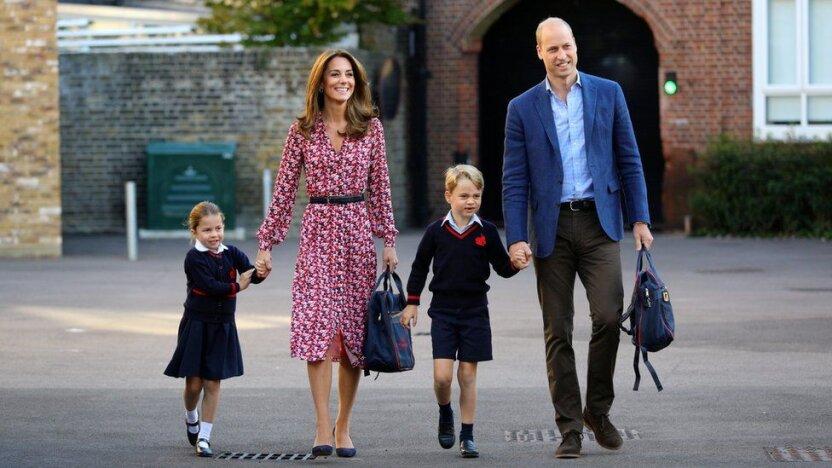 4-летняя принцесса Шарлотта пошла в первый класс