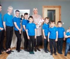 В Британии мать десяти мальчиков наконец родила девочку