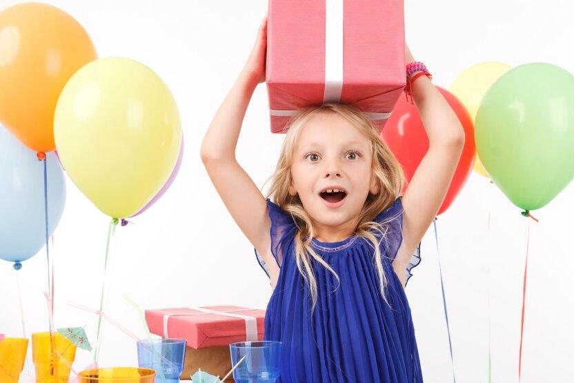 Фабрика подарков на Детском радио продолжается