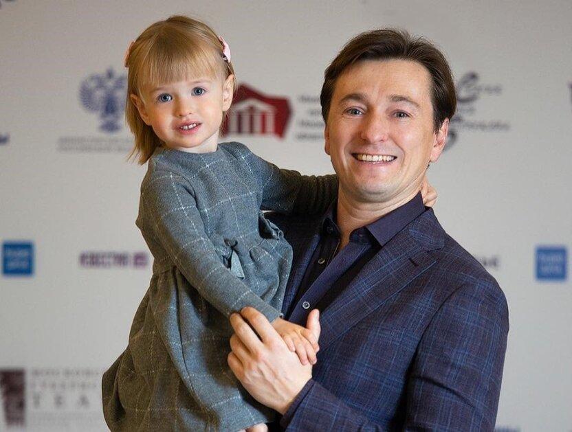 Сергей Безруков поделился фото детей
