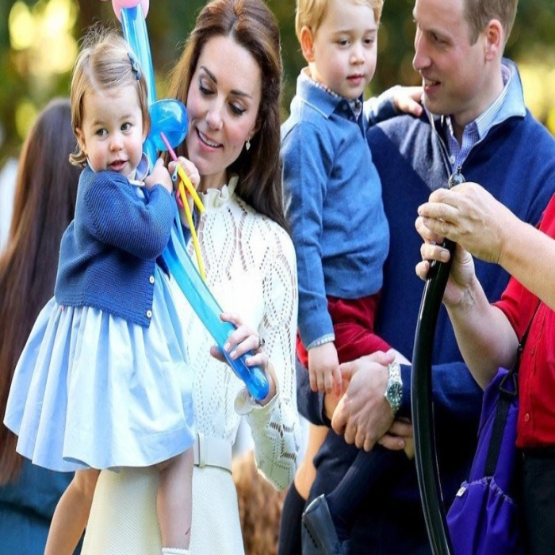 Принц Уильям и Кейт Миддлтон выбрали подарки детям на Рождество