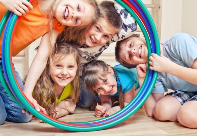 Чем занять ребёнка дома? Подвижные игры дома