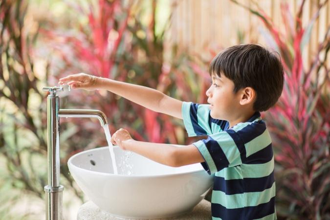 Мыть руки теперь модно: Детское радио приняло участие в #Мойдодыр челлендже
