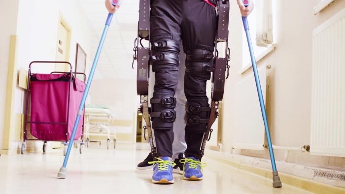 Российские инженеры придумали экзоскелеты для врачей, чтобы те не уставали на операциях
