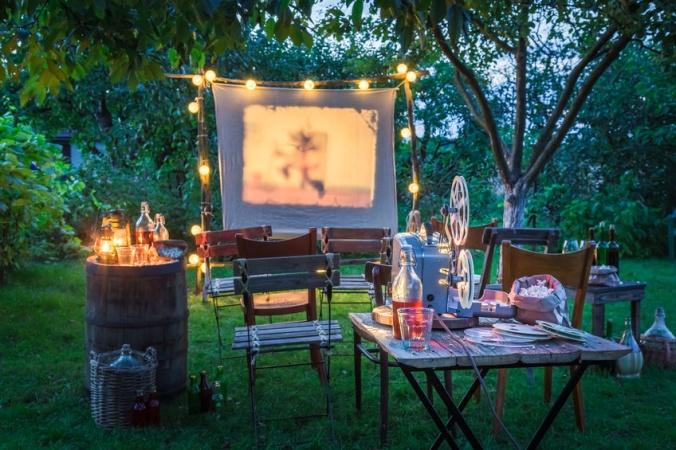 Домашний кинотеатр на диване для всей семьи. 2 тысячи советских диафильмов теперь в открытом доступе
