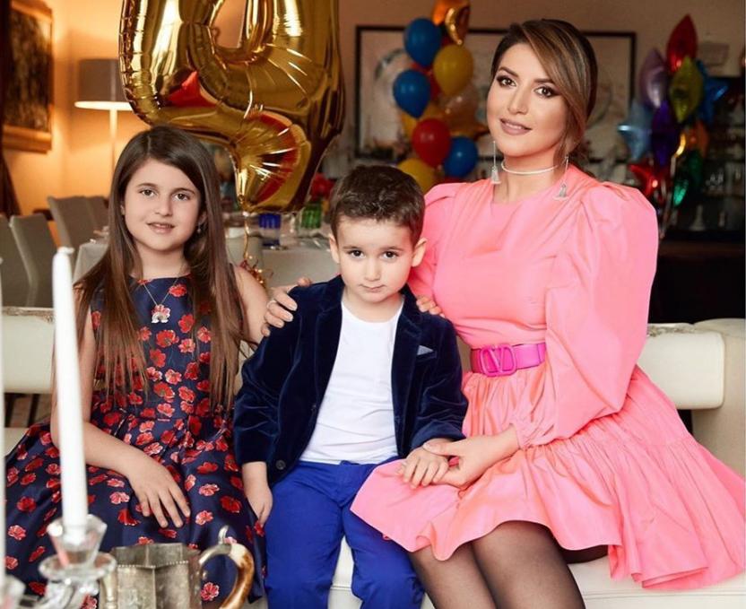 Жасмин устроила своему сыну незабываемый день рождения на самоизоляции