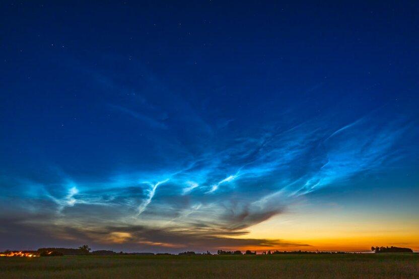 В небе появились серебристые облака! Это уникальное и красивое  явление