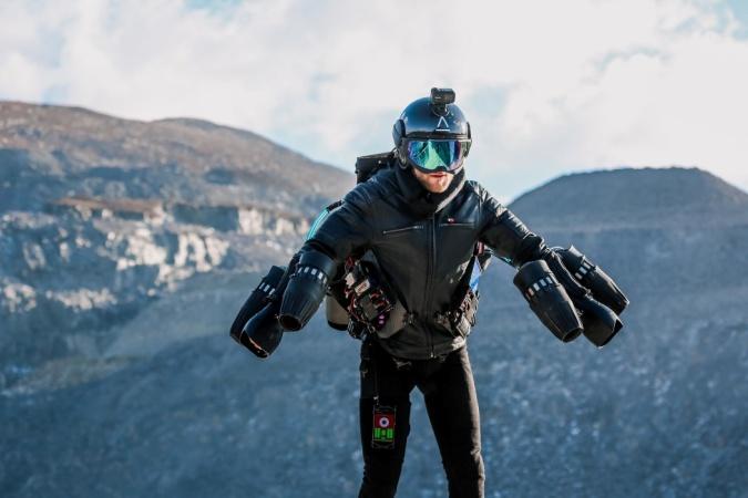 Летать как Железный Человек теперь сможет каждый, благодаря изобретению британца