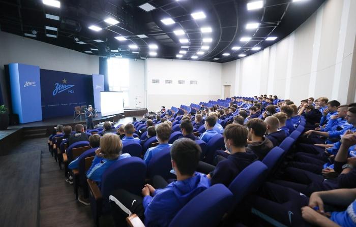 В «Газпром»-Академии стартовал курс лекций для воспитанников по взаимодействию со СМИ