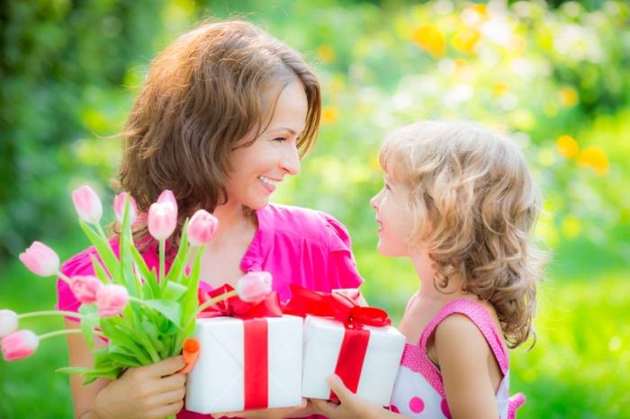 Готовим поздравления для любимых мам