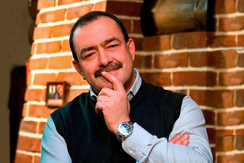 Телеведущий Михаил Кожухов в гостях у Детского радио